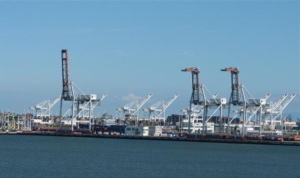 Oakland-Port-cranes