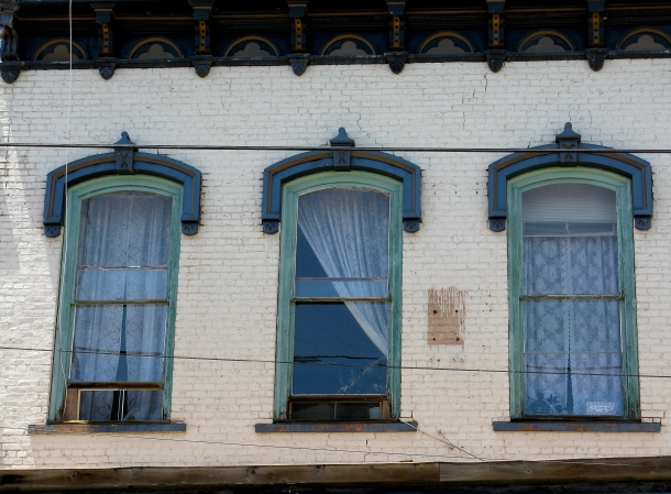 virginia-city-windows