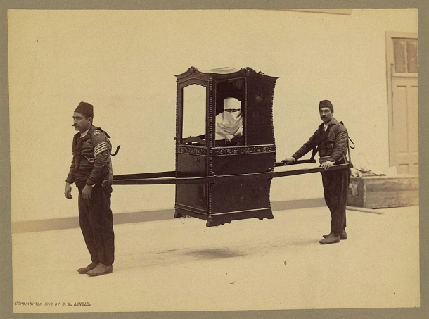 turkish-sedan-chair