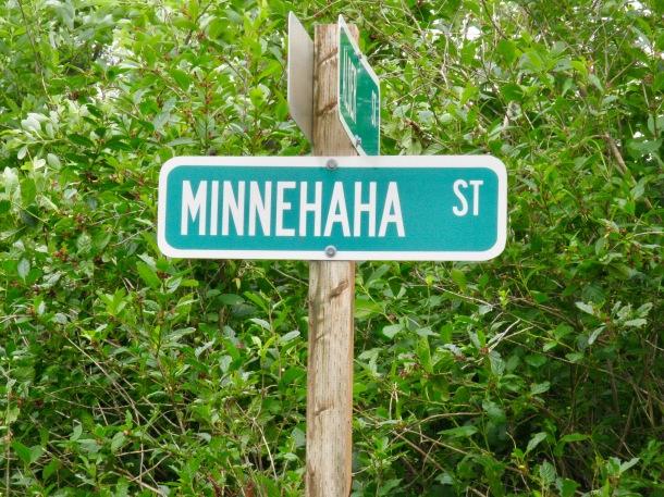 minnehaha-street-sign