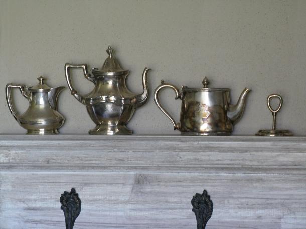 silverware-on-mantle