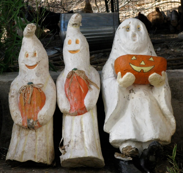 ghosts-and-pumpkins
